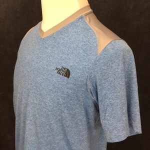 The North Face T Shirt V- Neck Blue And Gray M